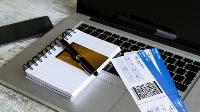 Как сэкономить на покупке авиабилетов украинцам?
